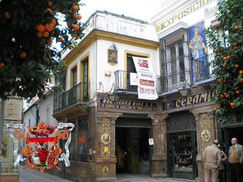 Edificio histórico-artístico. Triana. Sevilla